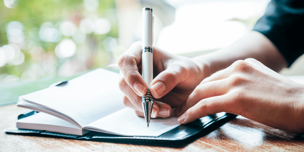 Journaling has health benefits and can help you relieve holiday stress.