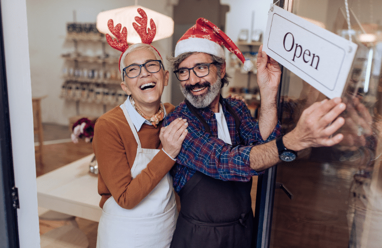 8 Time-Saving Holiday Marketing Tips to Help You Stress Less This Season