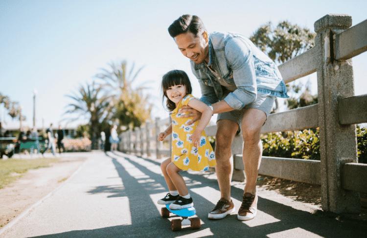 summer marketing ideas - family enjoying summer