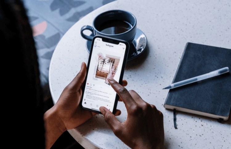 9 Ways to Show Up in the Instagram Feed [New Info!]